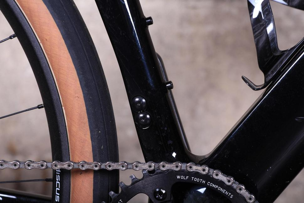 3T Exploro LTD - frame detail.jpg