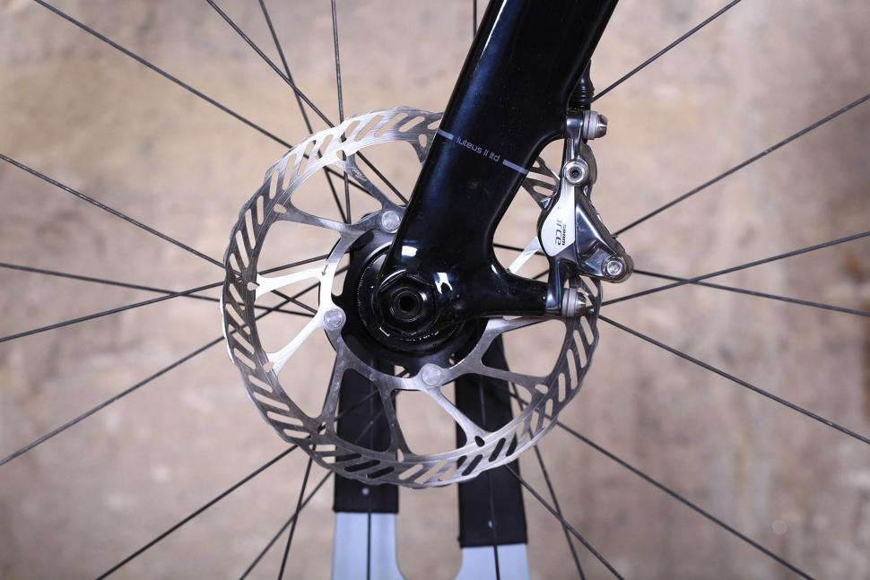 3T Exploro LTD - front disc.jpg