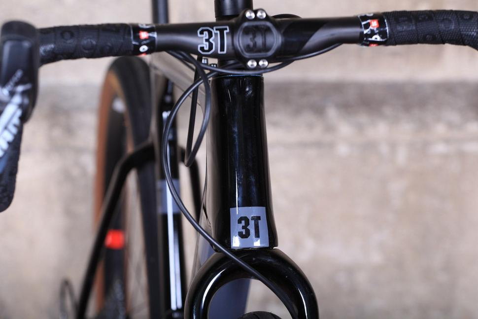 3T Exploro LTD - head tube badge.jpg