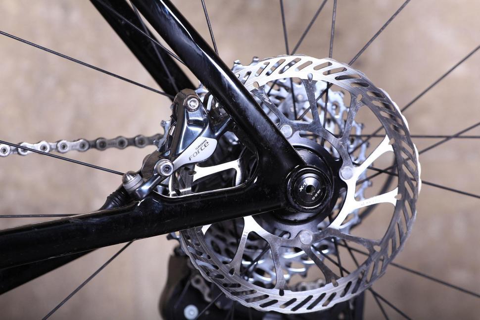 3T Exploro LTD - rear disc.jpg