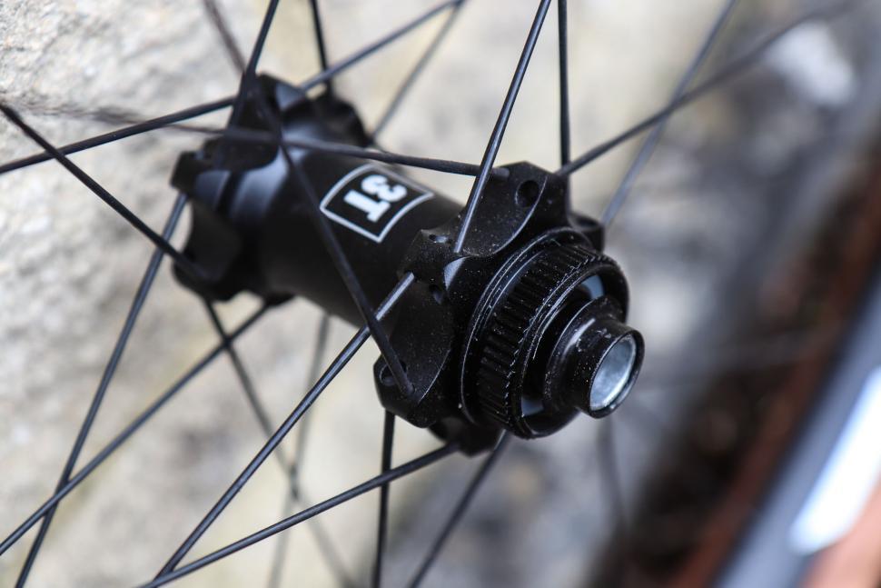 3t_discus_pro_650b_wheels-9.jpg