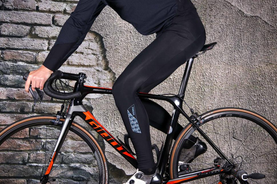 7 Mesh TK1 Bibtights - riding.jpg