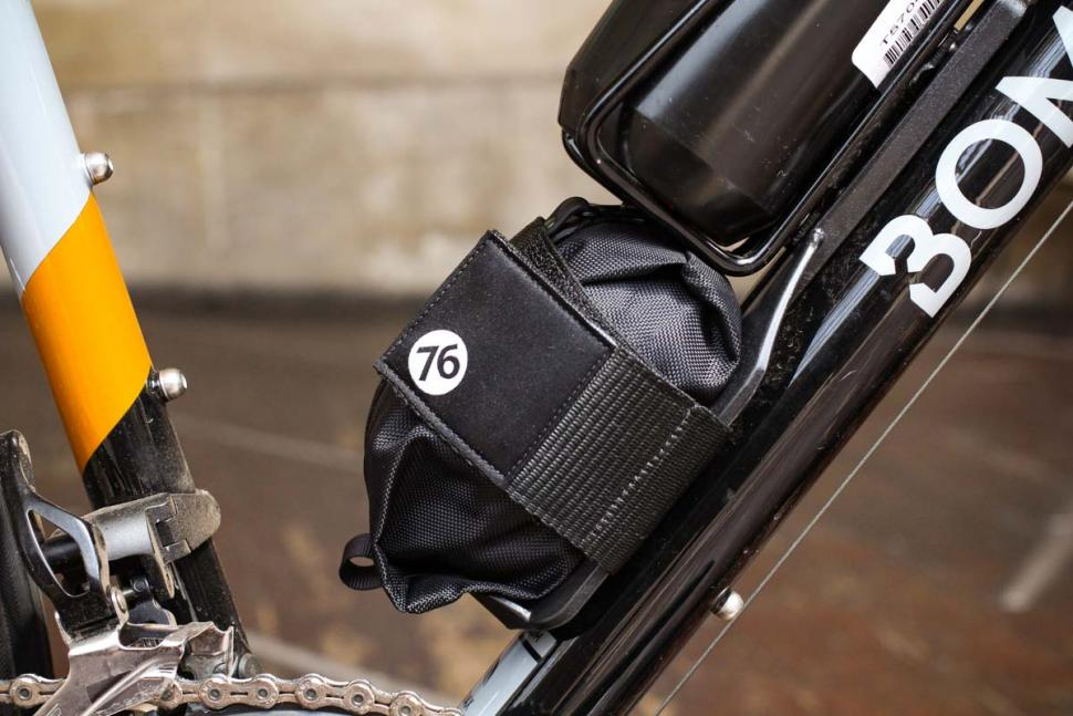 76_projects_piggy_on_bike_storage_-_pouch_in_place.jpg