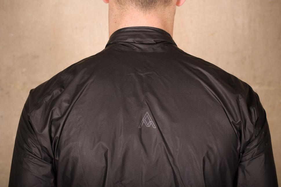 7Mesh Oro Jacket - shoulders.jpg