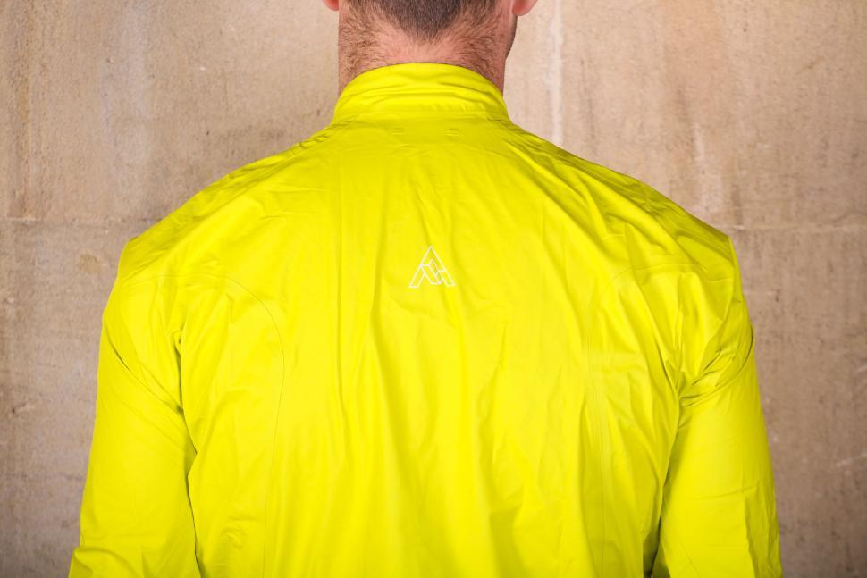 7mesh Rebellion Jacket - shoulders.jpg
