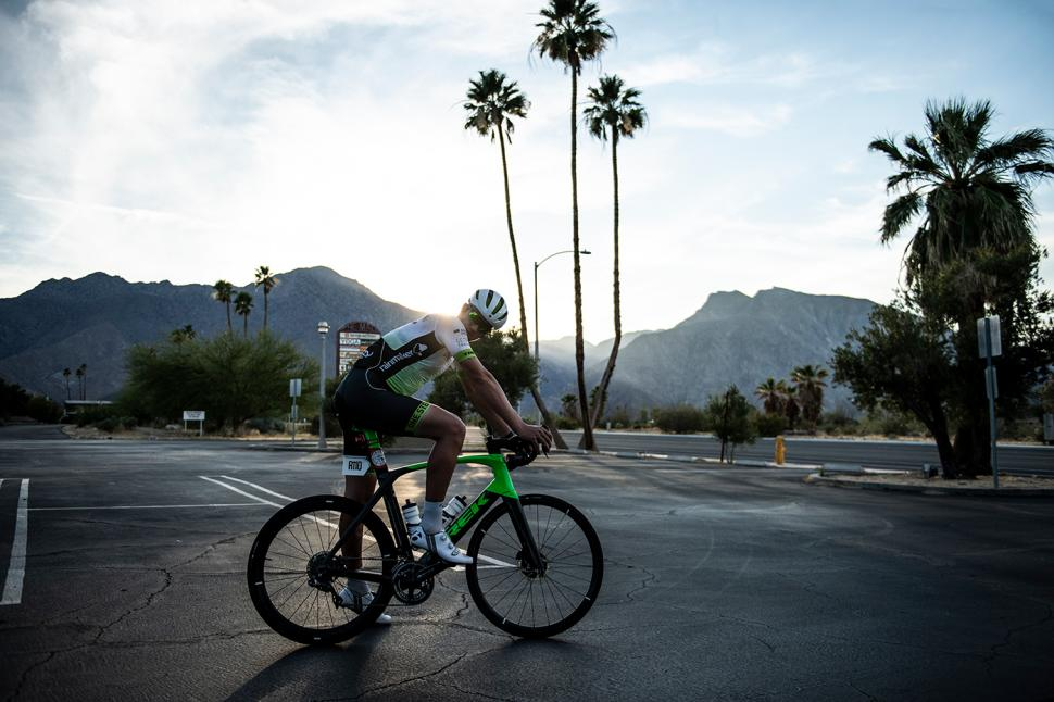 Endurance cyclist James Golding sets off on a challenge across the US