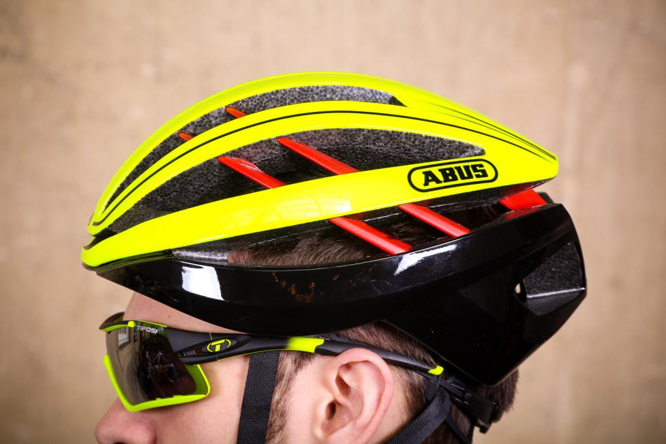Abus Aventor Neon Yellow - side 2.jpg