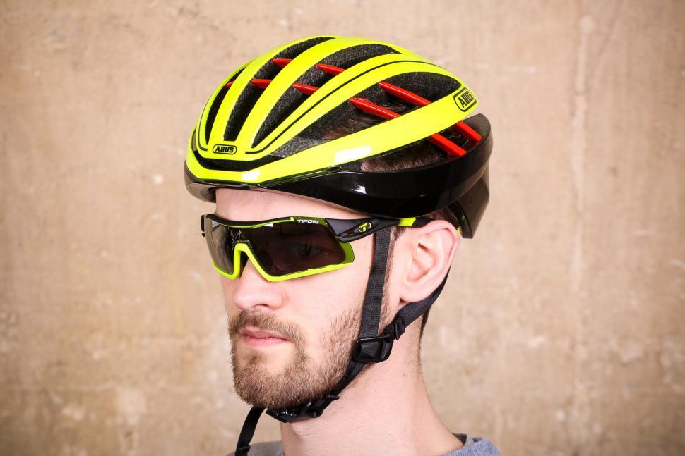 Review Abus Aventor Helmet Road Cc