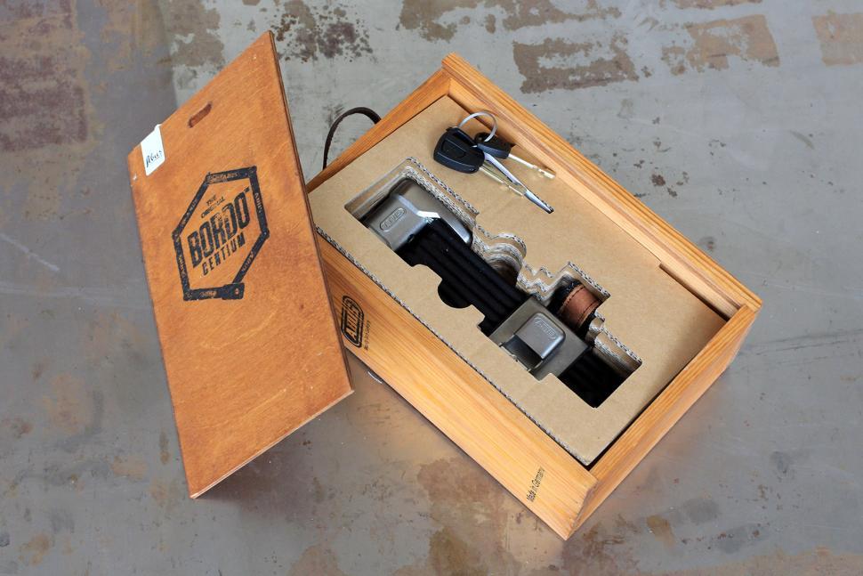 Abus Bordo Centium - box open.jpg