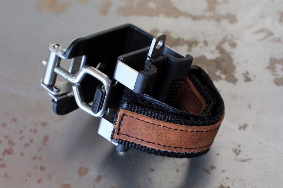 Abus Bordo Centium - frame mount.jpg