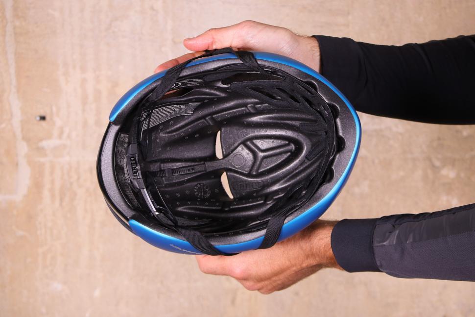Abus Gamechanger Road Aero Helmet - inside.jpg