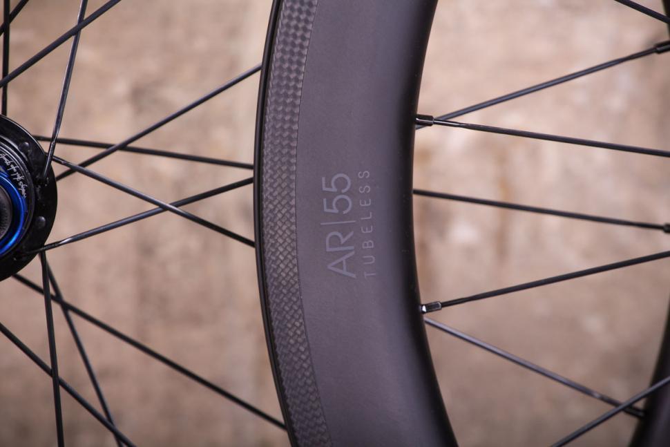 aera_ar_55_tubeless_wheelset_-_rim_detail.jpg