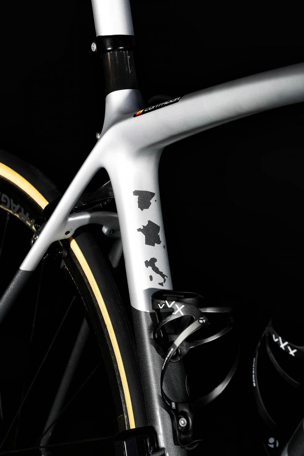 b0e110ce27e Alberto Contador gets custom Trek Emonda SLR bike for final race (+ ...