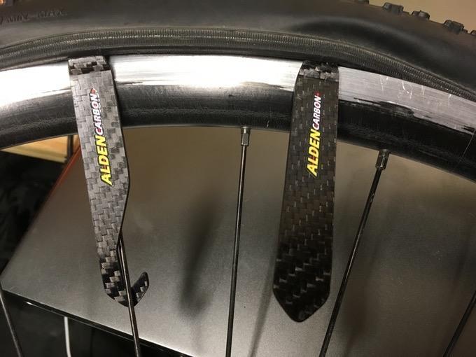 Alden carbon fibre tyre levers - 3.jpg