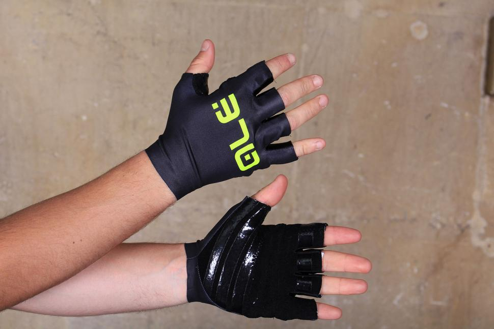 Ale Aria Summer Gloves SS16.jpg