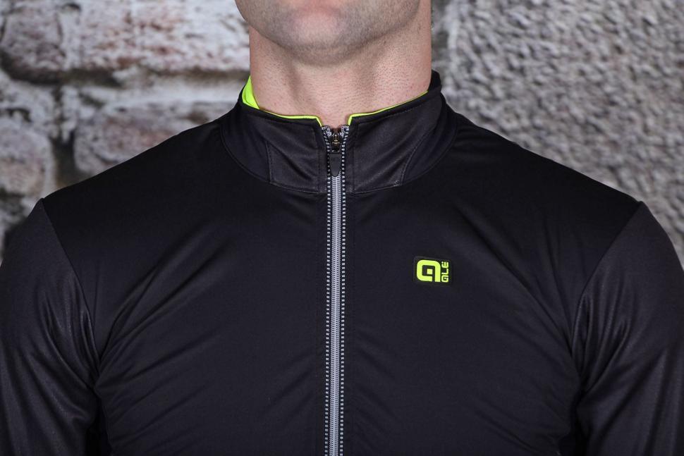 Ale CP 2.0 Combi Jacket - collar.jpg