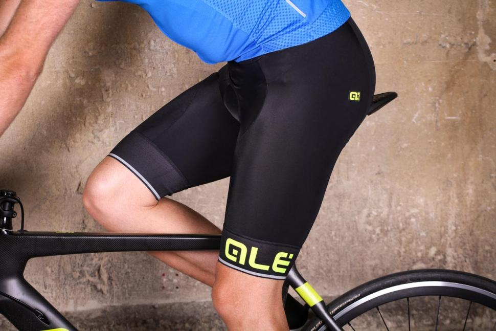 ale_corsa_bibshorts_-_riding.jpg