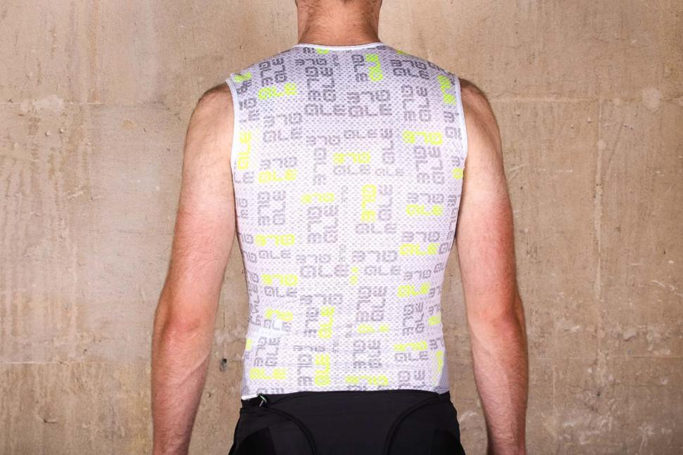 ale_intimo_velo_active_baselayer_-_back.jpg
