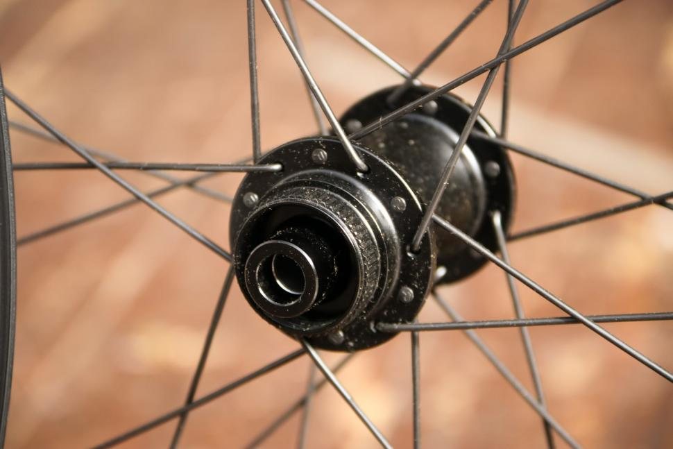 Alex Rims Alex CXD4 Road Disc Wheelset - front hub 2.jpg