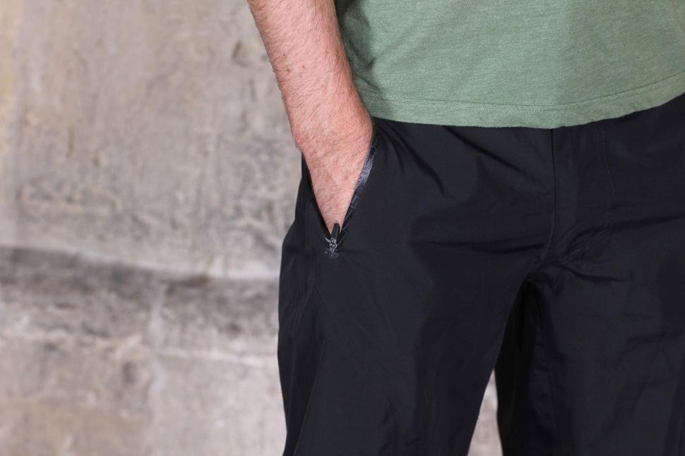 Altura Attack Waterproof Shorts - pocket.jpg