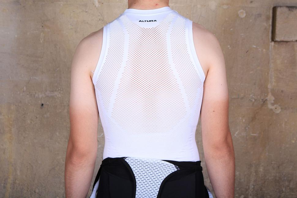 Altura Dry Mesh Baselayer - back.jpg