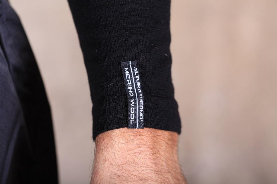 Altura Merino Long Sleeve Base Layer - cuff.jpg