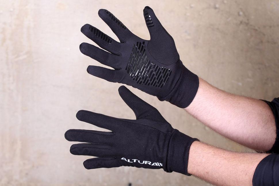 Altura Micro Fleece Gloves.jpg