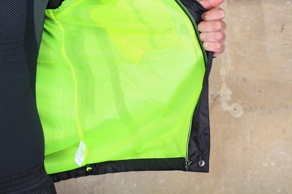 Altura Nevis III Waterproof Jacket - inside mesh.jpg