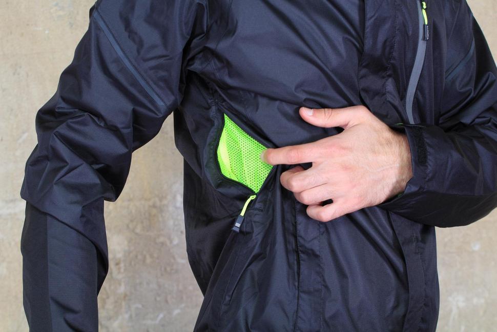 Altura Nevis III Waterproof Jacket - vent.jpg