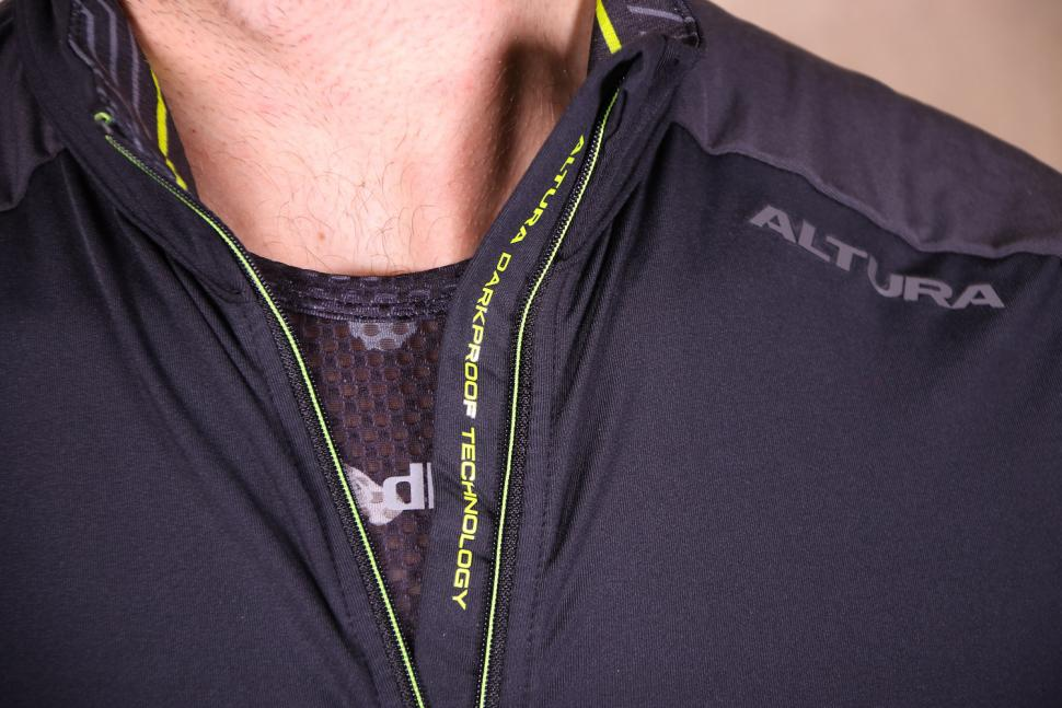 Altura Nightvision 2 Thermo long Sleeve Jersey - zip detail.jpg