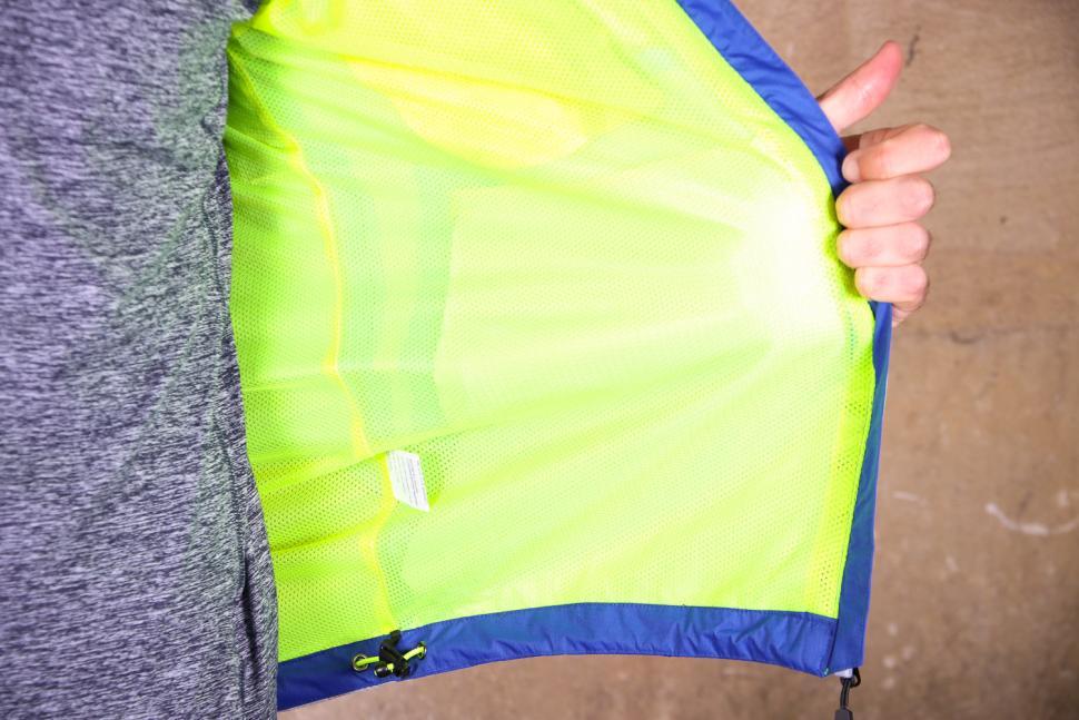 Altura Nightvision Evo 3 Waterproof Jacket - inside.jpg