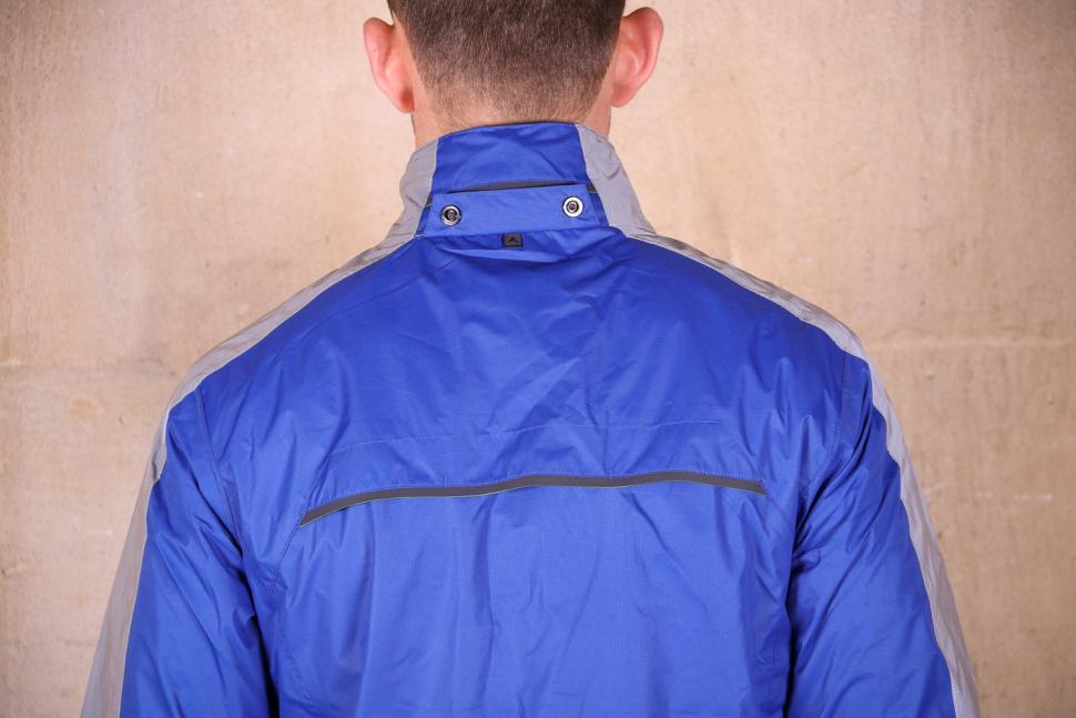 Altura Nightvision Evo 3 Waterproof Jacket - shoulders.jpg