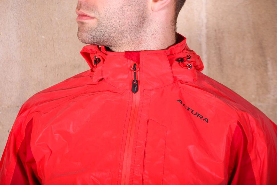 Altura Nightvision Thunderstorm Jacket - chest.jpg