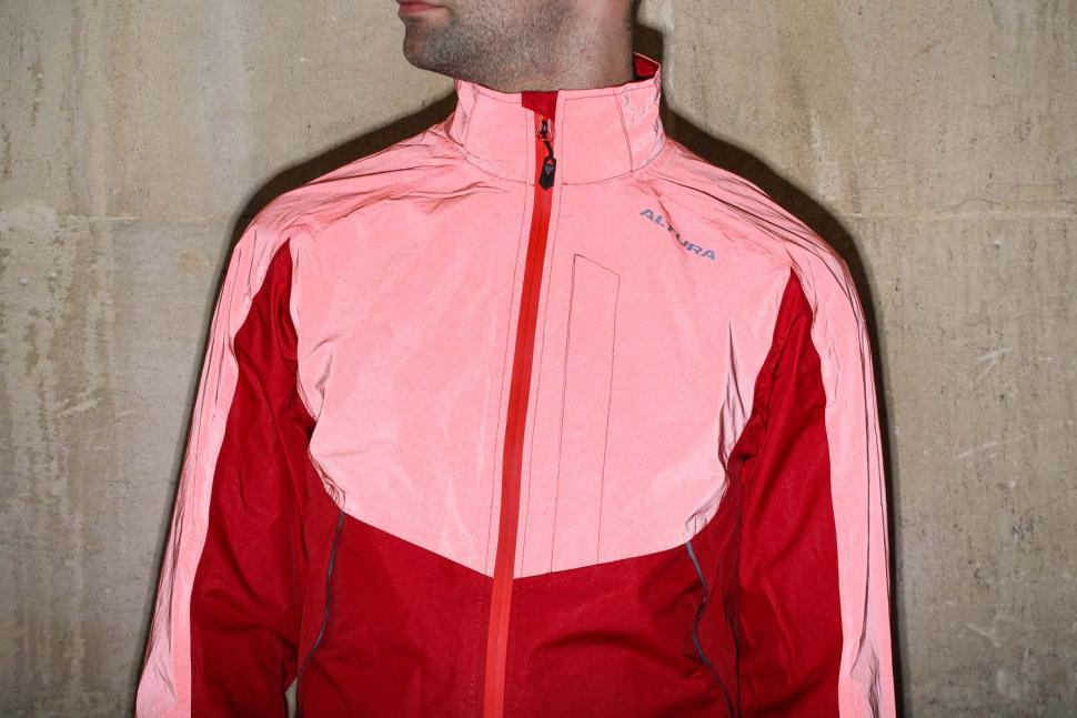 Altura Nightvision Thunderstorm Jacket - reflective chest.jpg