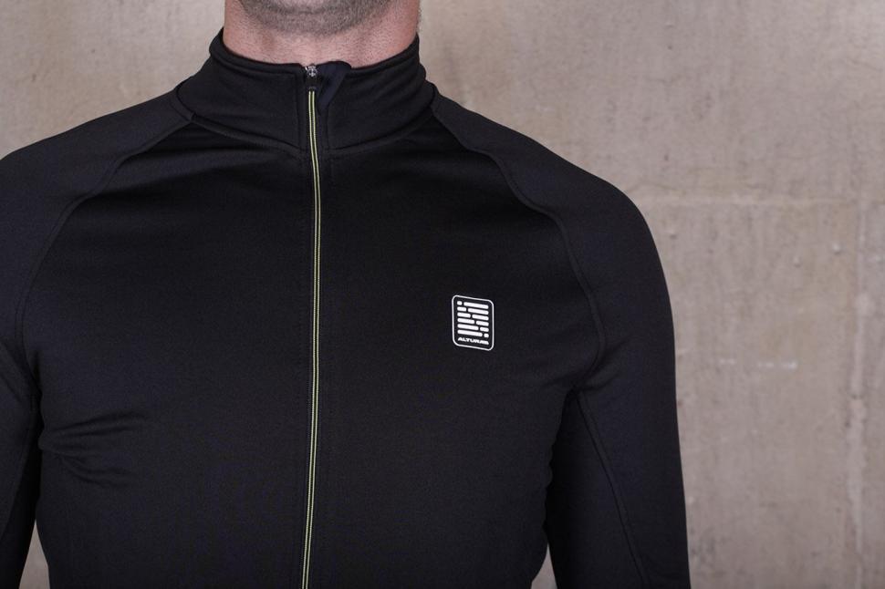 Altura Peloton Long Sleeve Jersey - chest.jpg