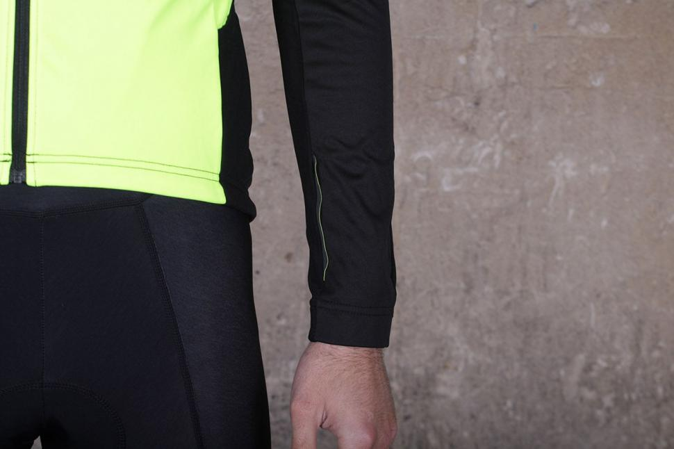Altura Podium Elite Thermo Shield Jacket - cuff.jpg