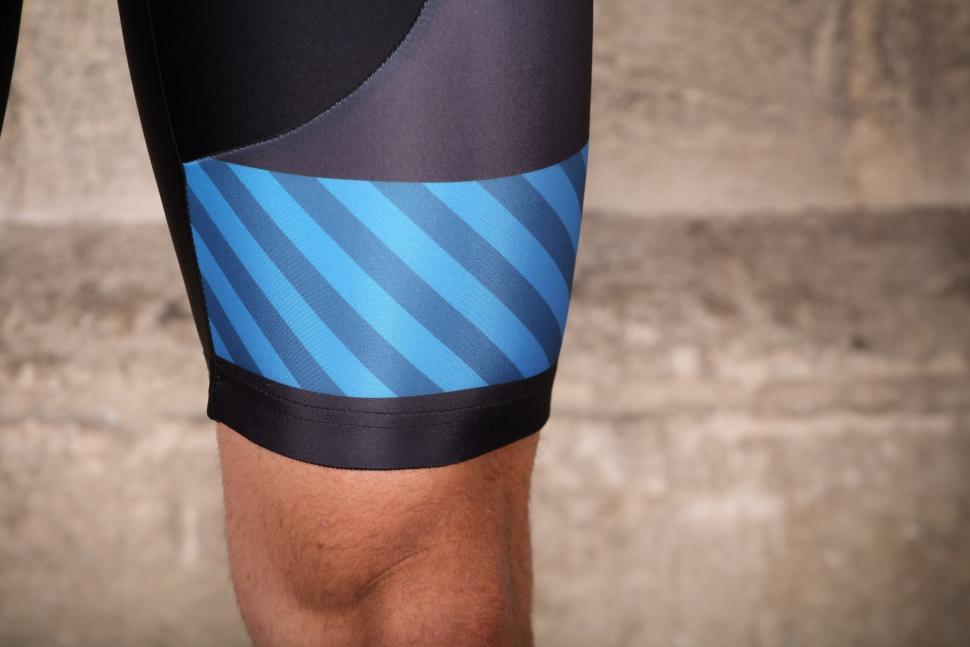 Altura Sportive 97 Progel Bib Shorts - cuff.jpg
