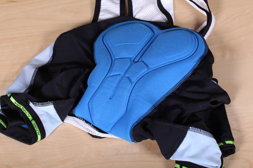 Altura Sportive 97 Progel Bib Shorts - pad.jpg
