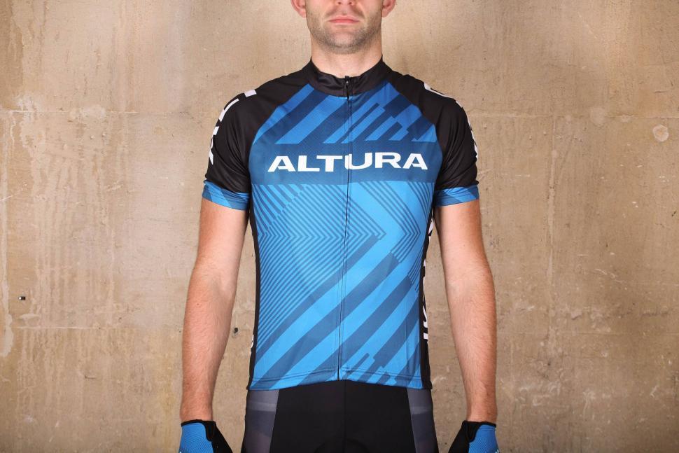 Review  Altura Sportive 97 Short Sleeve Jersey  ef97e9528