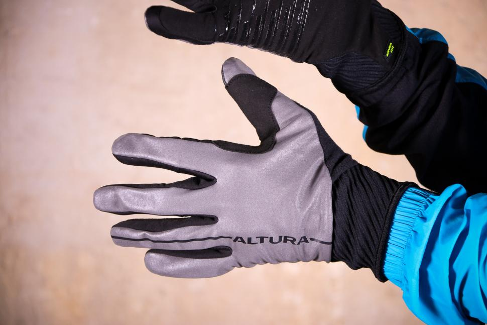 Altura Thermo Elite gloves - back.jpg