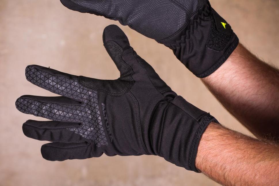 Altura Thunderstorm gloves - back.jpg