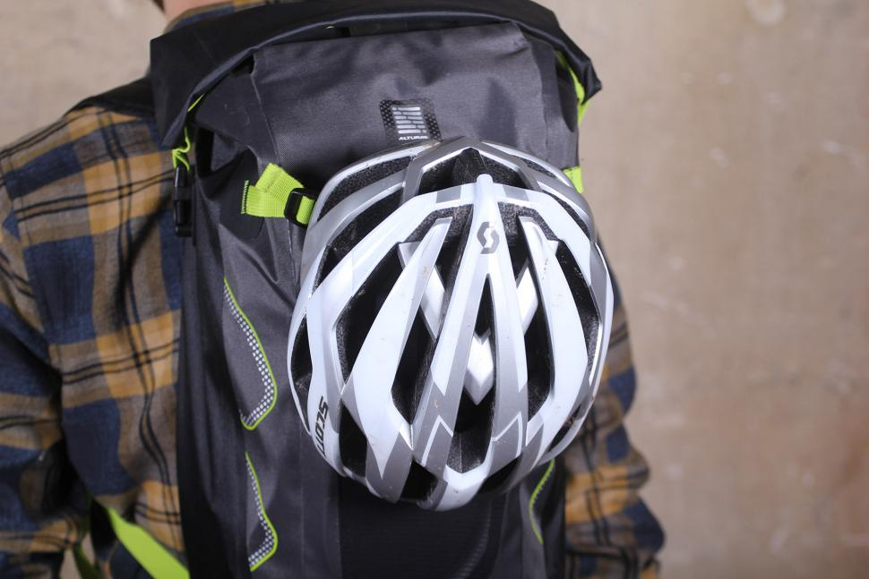 Altura Vortex 25 Waterproof Backpack - helmet holder.jpg