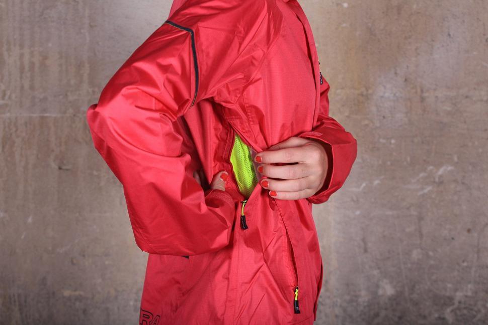 Altura Womens Nevis III Waterproof Jacket - vent.jpg