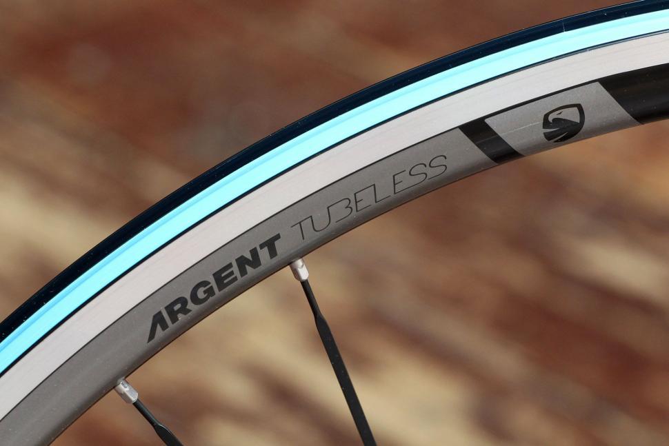 American Classic Argent Tubeless wheelset - rim detail.jpg