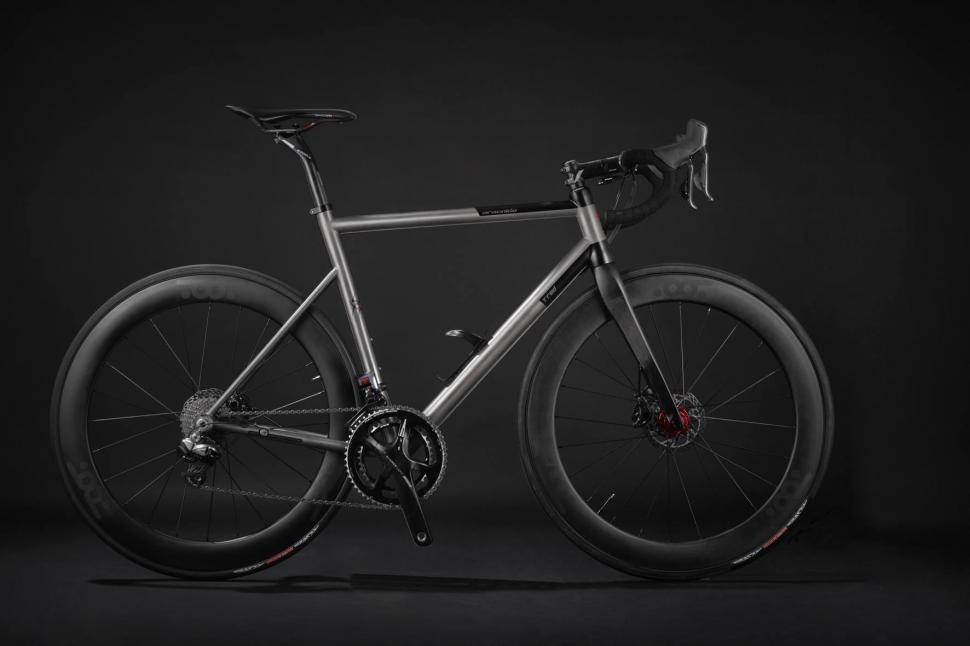 Aracnide A02RD VedovaNera-Romolo Stanco-T°RED Bikes ©LorenzoDeMaria.jpg