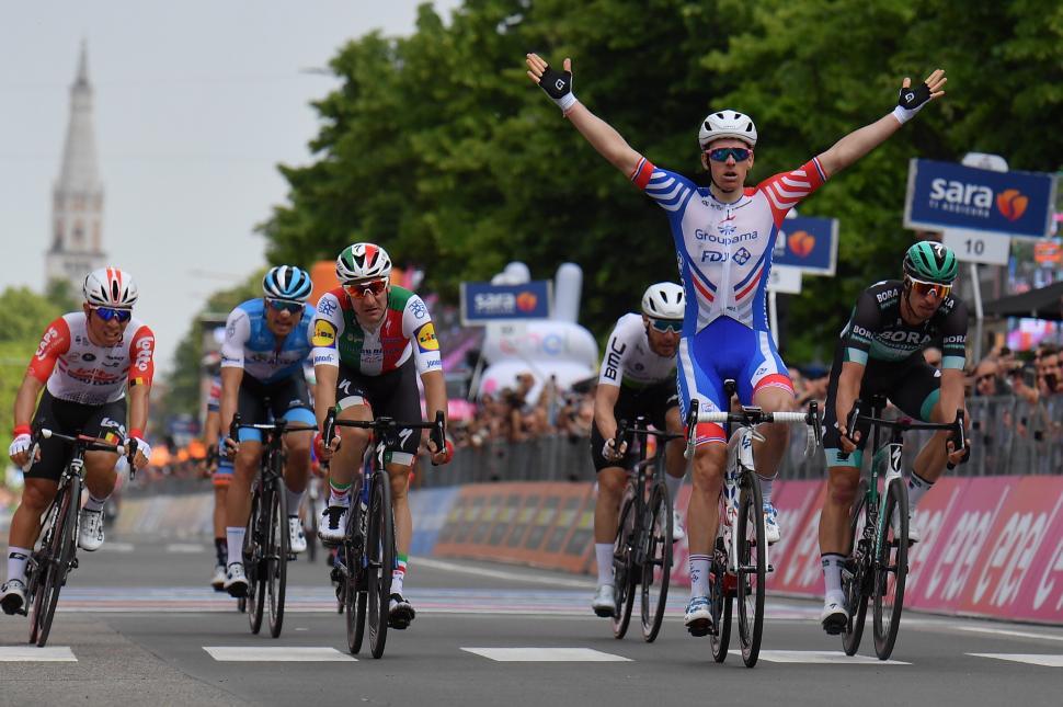Arnaud Demare wins 2019 Giro d'Italia Stage 10 (picture RCS Sport, LaPresse)