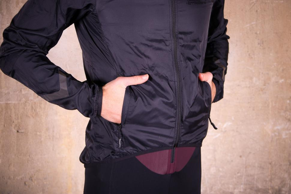 ArroWhere Lightweight Jacket - pockets.jpg