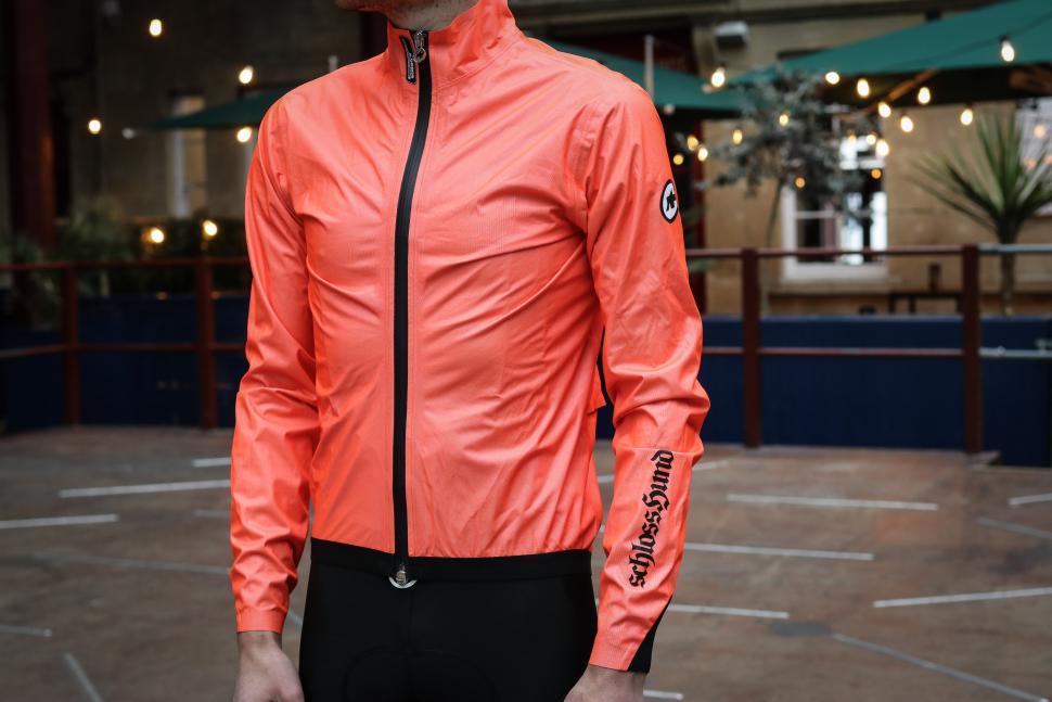 Assos Equipe RS rain jacket-2.jpg