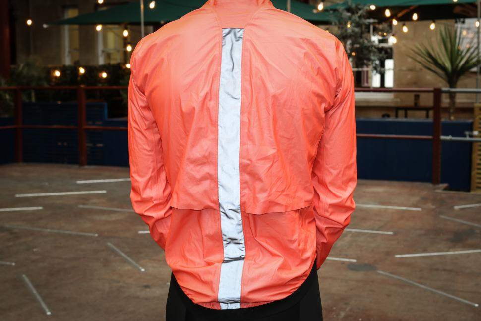 Assos Equipe RS rain jacket-8.jpg