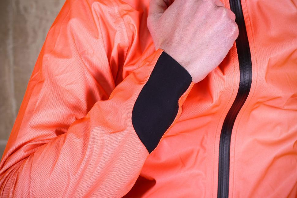 Assos Equipe RS rain jacket - cuff.jpg